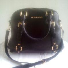 Re-Posh  Bedford Bowling Satchel Re-Posh Black Pebbled Leather Crossbody Bag. Gold Hardware. Does Not Come With Hang Tag. Price Reflects The Condition Of The Bag. I Paid $75 in April I am Asking $65. No Trades This Item Is From A Smoking Home. Thank You For Visiting Our Closet. Michael Kors Bags Satchels