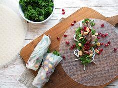 En fantastiske og julet udgave af de lækre friske vietnamesiske forårsruller med and, grønkål og granatæblekerner - få opskriften her