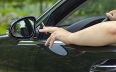 Possible total ban on smoking inside cars in Dubai