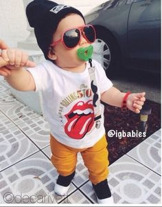 My boys need a Rolling Stones shirt! Toddler Swag, Toddler Boy Fashion, Cute Kids Fashion, Little Boy Fashion, Toddler Boys, Kids Boys, Lil Boy, Little Boys, Baby Boy Outfits