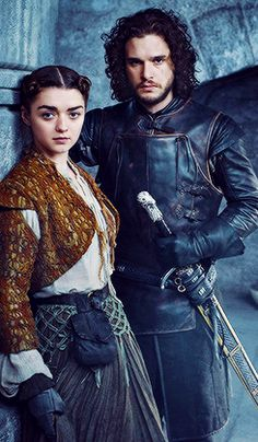 Maisie Williams as Arya Stark and Kit Harington as Jon Snow in new Game of Thrones Season 5 promotional portrait for Entertainment Weekly. Maisie Williams, Winter Is Here, Winter Is Coming, Arya Stark, Jon And Arya, Jon Schnee, 20 Tv, Game Of Thrones Cast, The North Remembers