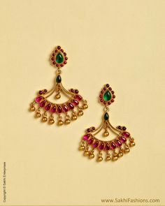 Gold Jewelry Design In India Jewelry Design Earrings, Gold Earrings Designs, Gold Jewellery Design, Necklace Designs, Gold Jewelry, Jewelery, Jhumka Designs, Rangoli Designs, Diamond Jewellery