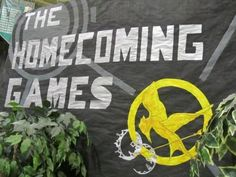 THAT is an awesome theme. I might have actually wanted to GO to a school dance…