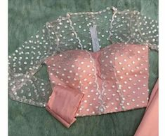New Blouse Designs 2020 - Trendy Blouse Design Images For 2020 - - New year brings us new fashion trends & styles to anticipate, including new blouse designs! Here are the latest blouse designs for 2020 you should check out! Netted Blouse Designs, Stylish Blouse Design, Saree Blouse Neck Designs, Fancy Blouse Designs, Shagun Blouse Designs, Sari Blouse, Sari Design, Design Net, Diy Design