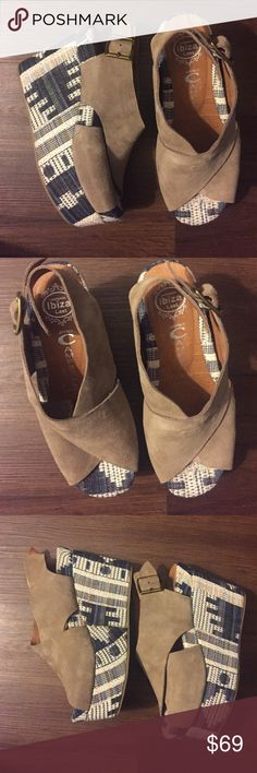 "Jeffrey Campbell Pisa-Fab Wedges Size 6 Preloved! In good condition- little wear from use. Back Heel height measures 4"" front heel height measures 2"". 🚫Trades! Open to reasonable offers through the offer button! Jeffrey Campbell Shoes Wedges"