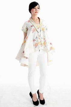 Blus batik wanita - Nawangsari Ayu Kebaya - Dhievine Batik