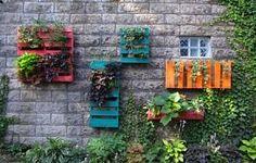 DIY Pallet Hanging Garden
