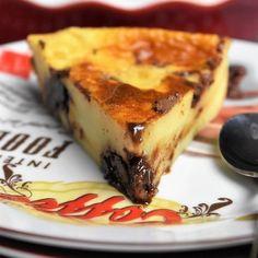 part de clafoutis au Nutella Summer Dessert Recipes, Dessert Cake Recipes, Healthy Dessert Recipes, Chocolate Mousse Cake Filling, Desserts Nutella, Far Breton, Blueberry Cake, Savoury Cake, Clean Eating Snacks
