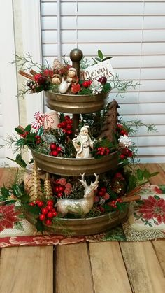 Looking for for images for farmhouse christmas tree? Browse around this website for perfect farmhouse christmas tree ideas. This cool farmhouse christmas tree ideas looks totally brilliant. Simple Home Decoration, Farmhouse Christmas Decor, Christmas Table Decorations, Rustic Christmas, Diy Decoration, Handmade Decorations, Christmas Home Decorating, Christmas Kitchen Decorations, Christmas Vignette