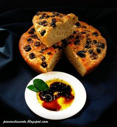 Pınar's Desserts: Zeytin, Cottage Cheese ve Biberiyeli Focaccia