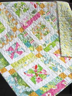 QUILT PATTERN , Baby or Lap .... Easy...one Layer cake or Fat Quarters, Lemonade Lollipop. $9.00, via Etsy.