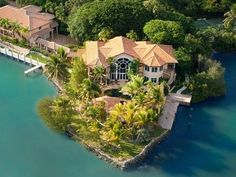 'Fish Camp' via Zillow The most stunning feature of this charming estate in Marathon that just hit the market is out back, where you'll find the pool of all pools, outfitted. Florida Fish, Florida Home, Florida Keys, Rich Home, Old Mansions, Fish Camp, Florida Travel, Home List, In Ground Pools