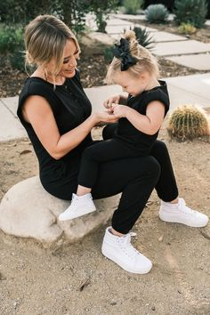 Newly Pregnant, Rompers For Kids, Other Mothers, Hilary Duff, Black Romper, Three Kids, Working Moms, The Duff, Her Style