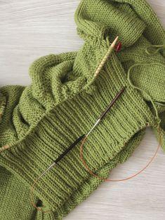 Carbeth Cardigan KAL: Knitting the ribbed collar — Ewe Ewe Yarns Knitting Help, Baby Boy Knitting, Knitting Stitches, Knitting Patterns, Crochet Patterns For Beginners, Knitting For Beginners, Crochet Hooks, Knit Crochet, Knit Basket
