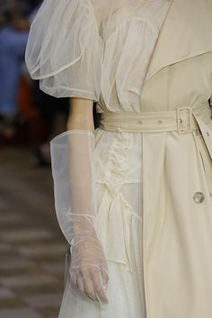 nice Simone Rocha Spring 2017 Ready-to-Wear Accessories Photos - Vogue. Fashion Details, Look Fashion, High Fashion, Fashion Show, Fashion Design, Dress Fashion, Fashion Week, Runway Fashion, Womens Fashion
