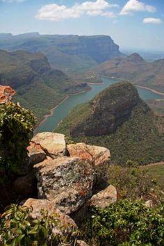 Voyage - safari d'aventure - Grand Tour de l'Afrique Australe en 24 jours - Afrique du Sud, Botswana, Chutes Victoria, Zambie, safari en canoé sur le Zambèze, Malawi, Mozambique, Parc Kruger