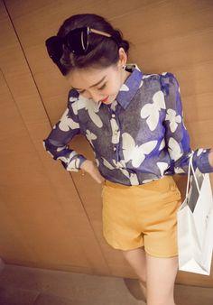 Blue and White  ♥ http://www.koreastylelove.com/blue-white-spring-2015-trend-korean-spring-fashion/