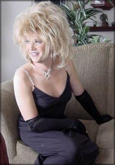 80s Big Hair, 1980s Hair, Teased Hair, Transgender Mtf, Long Wigs, Tgirls, Hair Dos, Crossdressers, Pretty Woman