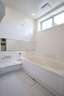 25 Ideas For Small Bathroom Renovation Farmhouse Luxury Bathtub, Diy Bathtub, Bathtub Remodel, Japanese Bathroom, Small Bathroom, Bathroom Tubs, Bathroom Showers, Bathroom Interior Design, Amazing Bathrooms