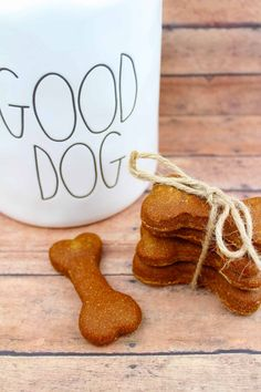 Homemade Dog Food Homemade Pumpkin Peanut Butter Dog Biscuit - If you are training your dog to be obedient this Homemade Pumpkin Peanut Butter Dog Biscuit is the perfect reward for good behavior. Dog Biscuit Recipe Easy, Dog Biscuit Recipes, Dog Treat Recipes, Healthy Dog Treats, Dog Food Recipes, Doggie Treats, Homemade Dog Cookies, Homemade Dog Food, Dog Training Methods