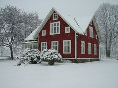 Farmhouse Style Homes Exterior Design Ideas - New Decoration Swedish Cottage, Red Cottage, Cottage Living, Swedish Farmhouse, Sweden House, Red Houses, Scandinavian Home, House Painting, My Dream Home