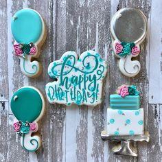 "Prima Donna Custom Cookies on Instagram: ""Birthday treats🎂🎈🎉🎁 . . . . #royalicing #sugarcookies #cookiesofinstagram #instasweet #decoratedcookies #decoratedsugarcookies…"" Birthday Treats, Birthday Cookies, Cake Cookies, Sugar Cookies, Custom Cookies, Royal Icing, Cookie Decorating, Sweet, Instagram"