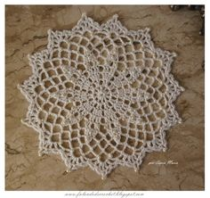 FORRINHO DE CROCHE COM PEROLAS crochet doily WITH PEARLS