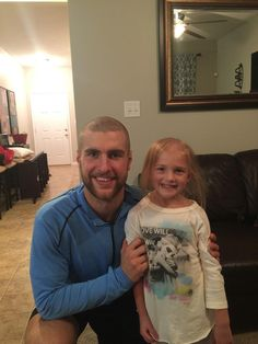 Alex Pietrangelo shaved his head to help support his niece Ellie who was diagnosed with Cancer.