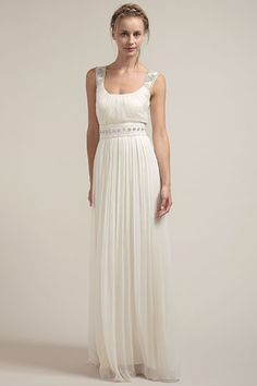 Saja's gowns are so simple, packable, and perfect for a destination #wedding