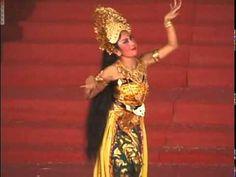 Balinese Legong Dance - Ubud, Bali - YouTube
