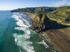People are going nuts for this breathtaking two-minute video of New Zealand Travel Videos, Travel News, People Around The World, Around The Worlds, Virtual Travel, Auckland, Australia Travel, West Coast, New Zealand