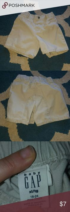 Toddler boy shorts cute kakhi toddler shorts. Size 18-24 months. barely worn, great condition baby gap Bottoms Shorts