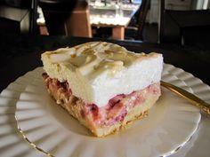 Here is a springtime favorite.with a press-in-the-pan shortbread crust that makes this dessert & than pie& Crust: 1 cup butter 2 cups flour 2 Tablespoons sugar Mix butter, flour and sugar t Meringue Desserts, Rhubarb Desserts, Köstliche Desserts, Delicious Desserts, Dessert Recipes, Recipe For Rhubarb Torte, Bar Recipes, Rhubarb Ideas, Meringue Cake