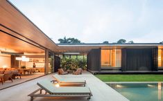 Coastal Style Weekend House in Guarujá, Brazil / Jacobsen Arquitetura Landscape Architecture Portfolio, Stairs Architecture, Modern Architecture House, Modern House Design, Architecture Design, Chinese Architecture, Futuristic Architecture, U Shaped Houses, Weekend House