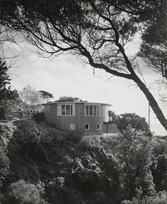 Round House (Henty II), 1953 by Roy Grounds. Photograph Leslie Runting