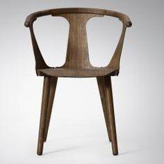 In Between SK1 stol, smart træstol i røget eg