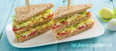 Tasty for the Easter brunch: sandwiches with egg salad, tomato and smoked chicken Berry Smoothie Recipe, Easy Smoothie Recipes, Sandwiches For Lunch, Wrap Sandwiches, Cooking For Dummies, Grilled Fruit, Salsa, Food Shows, Pizza