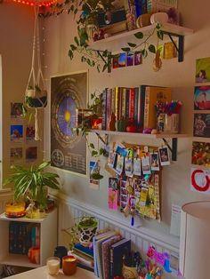 Indie Bedroom, Indie Room Decor, Cute Bedroom Decor, Room Design Bedroom, Aesthetic Room Decor, Room Ideas Bedroom, Bedroom Inspo, Nursery Decor, Grunge Bedroom
