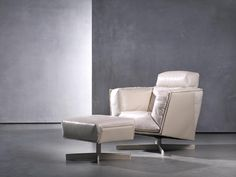 HEIT swivel chair & ottoman - Armchairs & loveseats - Living - Studio Piet Boon Contemporary Dining Chairs, Contemporary Furniture, Luxury Furniture, Swivel Club Chairs, Swivel Chair, Lounge Chairs, Blue Velvet Dining Chairs, Comfortable Living Room Chairs, Outdoor Furniture Chairs