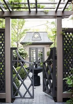 Make a statement with your fencing! Crisp paint and strong lines make me want to see the well manicured contents!