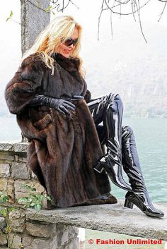 Fur coat, Leather gloves and Crotch Boots (Fashion Unlimited) Tags: leather lady fur long boots coat crotch gloves patent High Leather Boots, Black Leather Gloves, Mode Latex, Crotch Boots, Leder Outfits, Sixties Fashion, Hot High Heels, Sexy Boots, Leather Fashion