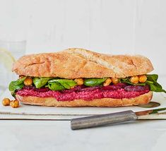 Load up a sub with homemade hummus, beetroot, chickpeas and salad to make this filling vegan sandwich. An ideal lunch for when hunger strikes Sandwich Recipes, Lunch Recipes, Vegan Recipes, Cooking Recipes, Vegan Sandwiches, Picnic Recipes, Vegetarian Pesto, Chickpea Sandwich, Vegan Picnic