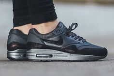 58e0ef557a658 Nike Air Max 1