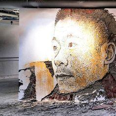 vhils-street-art-13