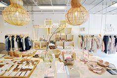 BijDaan is een concept store aan de Hessenweg in De Bilt (Utrecht). Talita Kalloe van Zeg Maar Jij sprak met eigenaresse Diana Bakker voor een storereport #interior #conceptstores #fairfashion #utrecht