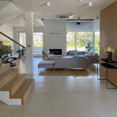House Goals, Beautiful Homes, Bathtub, Living Room, Bathroom, Luxury, Building, Furniture, Instagram