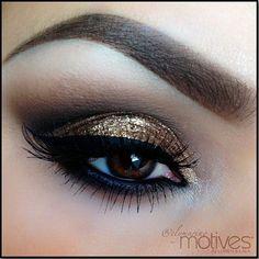 coppery eyes