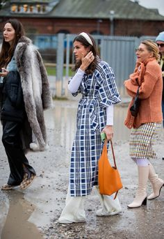 A guest is seen outside Baum und Pferdgarten during Copenhagen Fashion Week Autumn/Winter 2020 Day 3 on January 2020 in Copenhagen, Denmark. Simple Dresses, Nice Dresses, Street Chic, Street Style, Dress Over Pants, White Turtleneck, Copenhagen Fashion Week, Embellished Top, Spring Trends