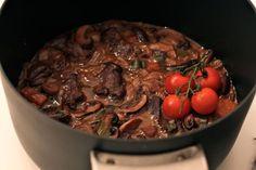 Langkokt gryte med biff og grønnsaker | The Kitchn Queen