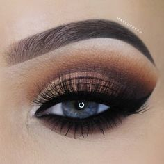 Do you wish to discover make-up for blue eyes, which is essentially the most flattering and appropriate for any event? See our assortment of essentially the most lovely make-up appears. # make-up Beautiful Eye Makeup, Natural Eye Makeup, Blue Eye Makeup, Eye Makeup Tips, Perfect Makeup, Makeup For Brown Eyes, Smokey Eye Makeup, Pretty Makeup, Eyeshadow Makeup